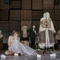 Maryša v Národním divadle chytne za srdce, její životní prostor se postupně zmenšuje