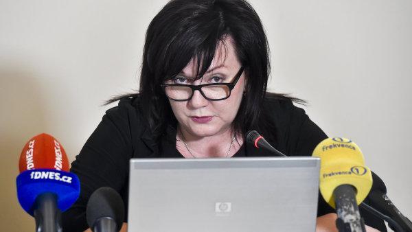 Ministryně financí Alena Schillerová na tiskové konferenci.