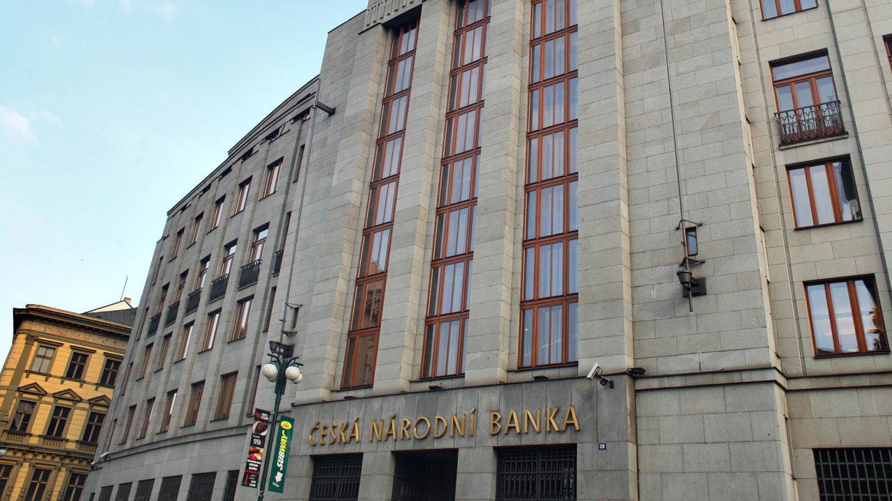 Česká koruna je nejslabší za posledních sedm týdnů. Nynější kurz je 25,50 korun za jedno euro.