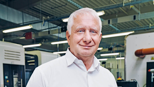 """""""Zavelmi úspěšného považuji každého, kdo podniká poctivě. To je nejcennější kapitál,"""" říkáředitel Frentechu Aerospace Pavel Sobotka."""