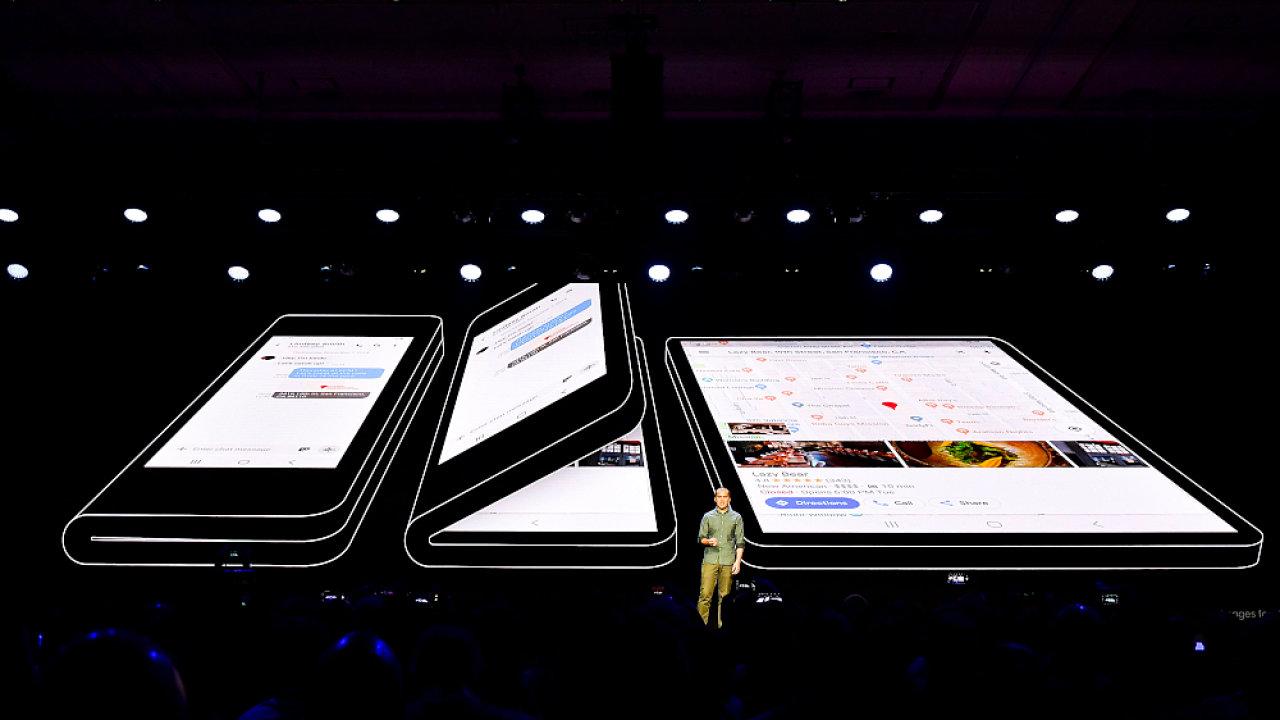 Samsung představil telefon s ohebným displejem a nové uživatelské prostředí pro rok 2019