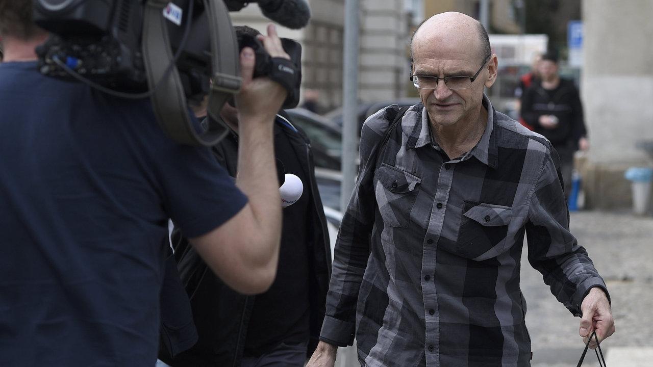 Státní zástupce obžaloval soudce Elischera a dalších pět lidí.
