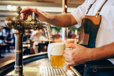 Prazdroj loni v Česku a v cizině prodal rekordních 11,5 milionu hektolitrů piva, meziročně o čtyři procenta více.