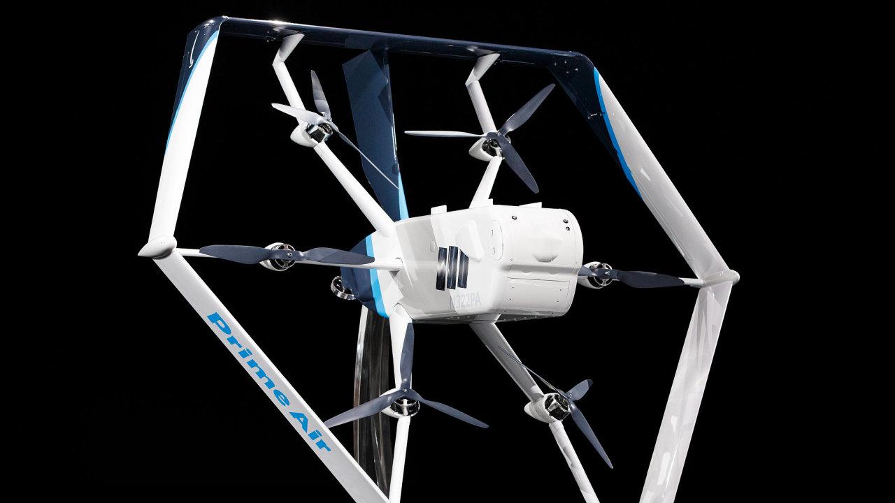 E-shop Amazon představil nový typ doručovacího dronu