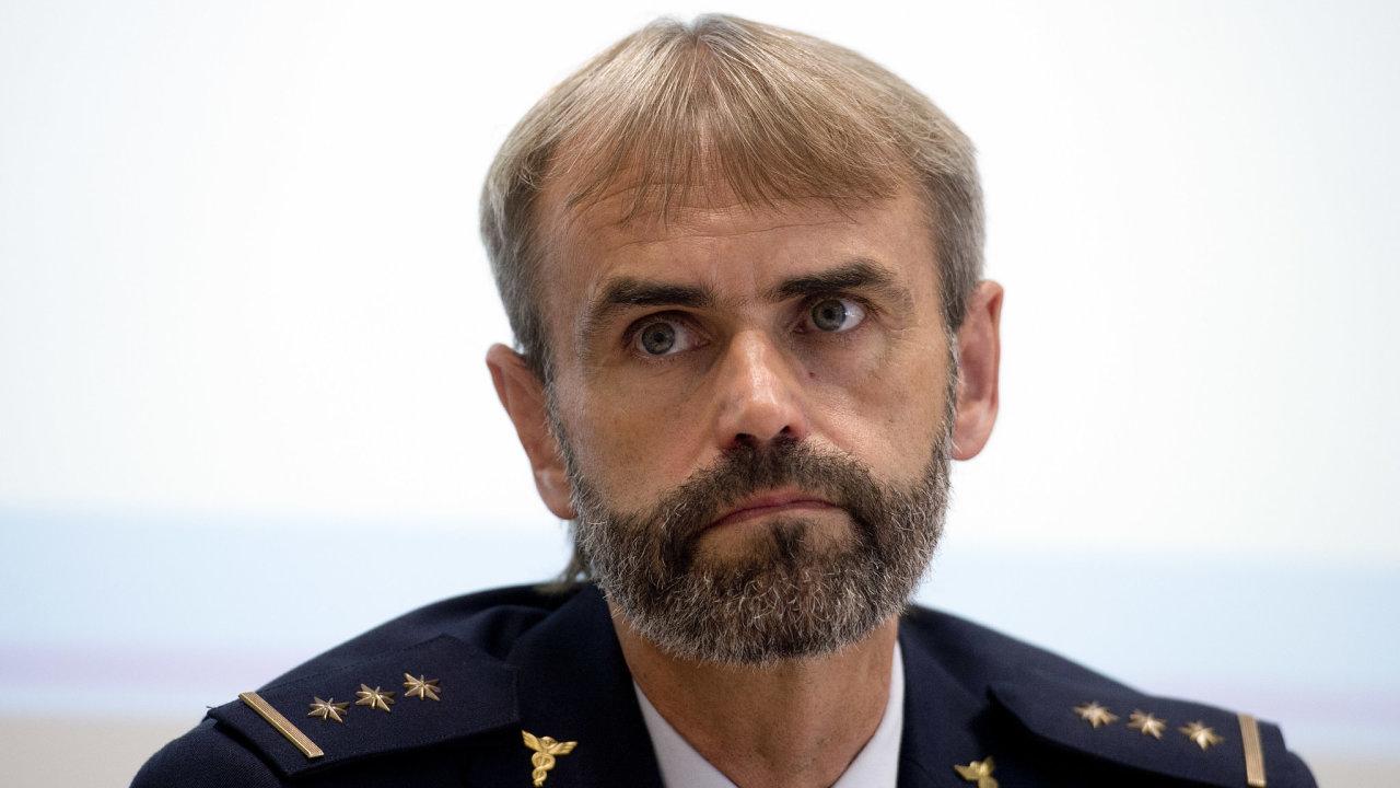 Šéf pátrací sekce Generálního ředitelství cel a exředitel ÚOOZ Robert Šlachta odchází do civilu.