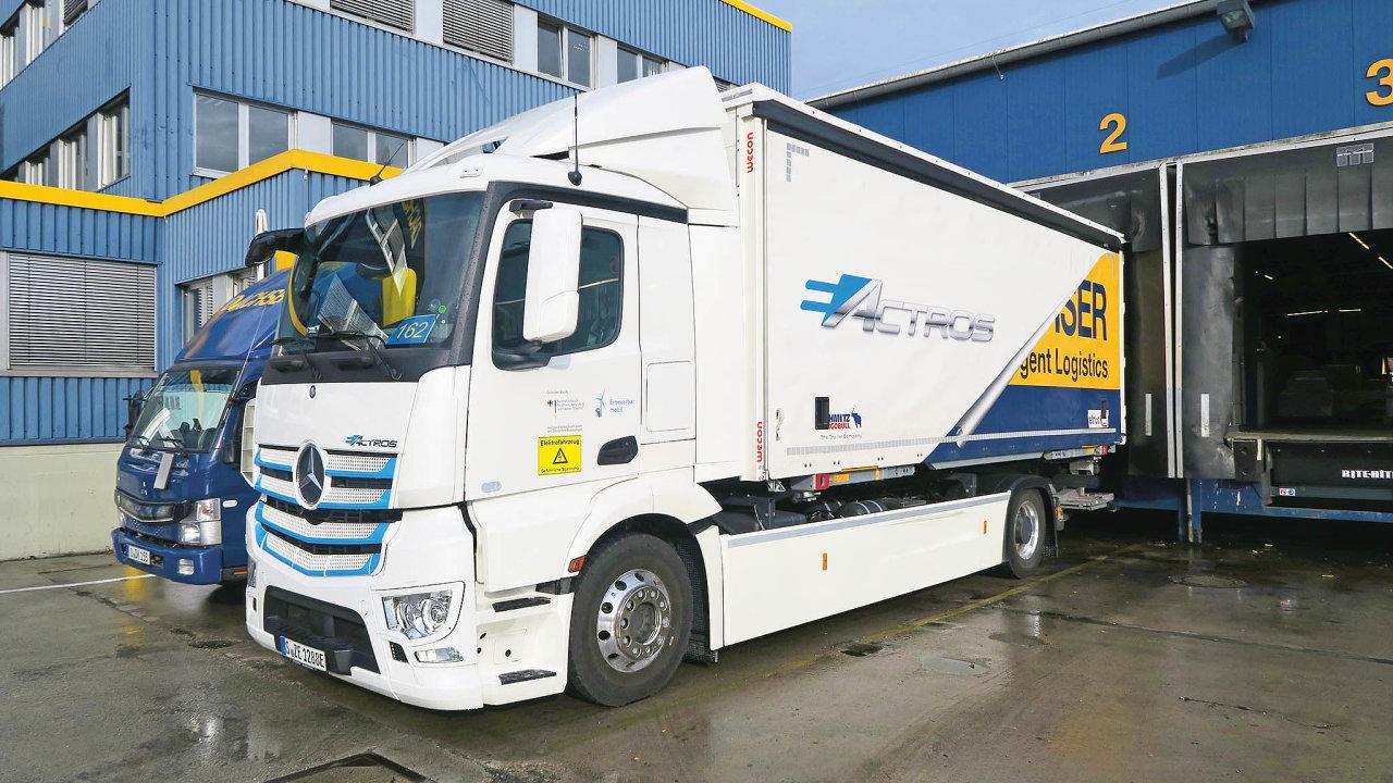 Dachser zkouší doručovat do centra Stuttgartu jen s použitím elektrických vozů a kol.