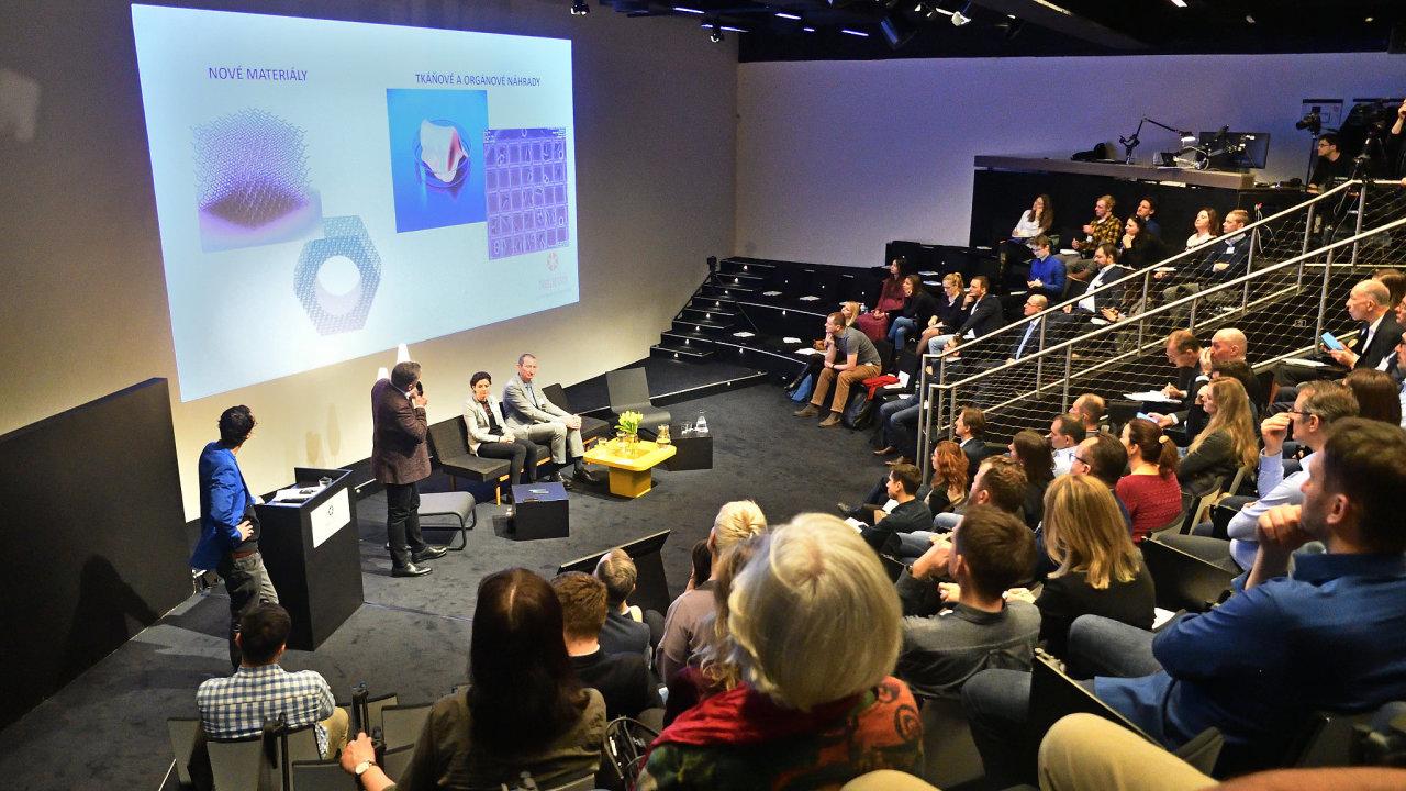 Zástupci společností jako Google, Avast či Siemens se včera sešli u jednoho stolu se špičkami české vědy, aby diskutovali o vztahu mezi vědou a byznysem.