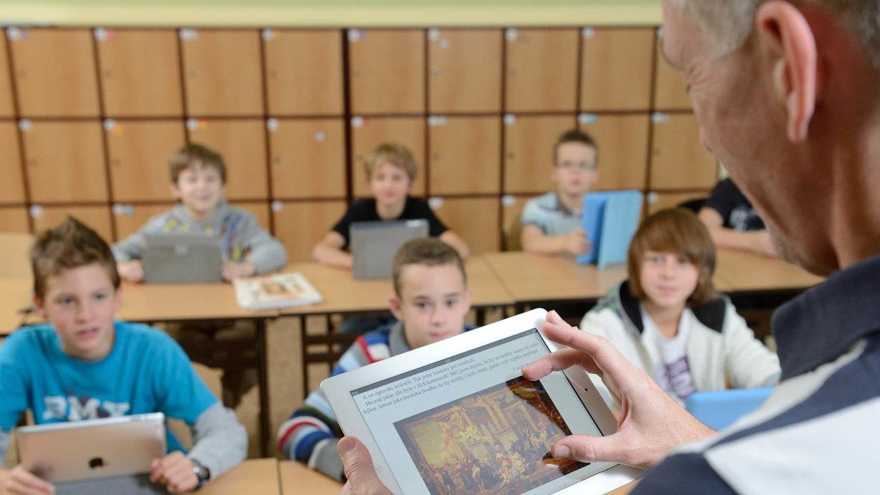 Vydavatel učebnic Fraus nabízí rodičům v době epidemie možnost získat sadu elektronických učebnic doodvolání zdarma.