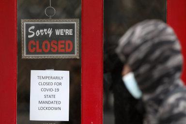 Míra nezaměstnanosti vzrostla na 14,7 procenta z březnových 4,4 procenta.
