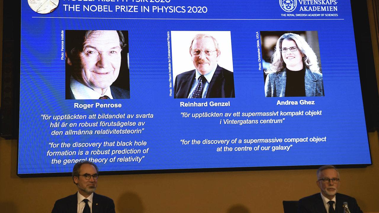 Nobelovu cenu za fyziku získali britský fyzik a matematik Roger Penrose, německý astrofyzik Reinhard Genzel a americká astronomka Andrea Ghezová za výzkum, který přispěl k pochopení černých děr.
