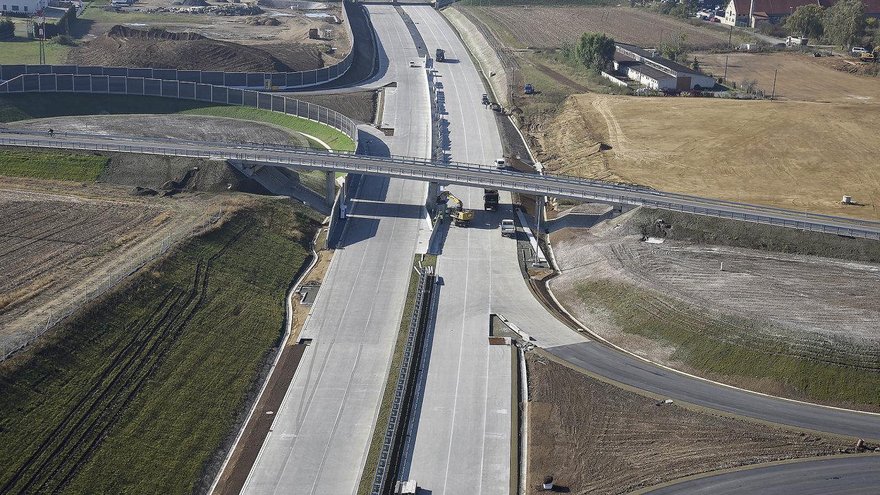 Společnost Eurovia CS se například významně podílí namodernizaci dálnice D1 mezi Prahou aBrnem.