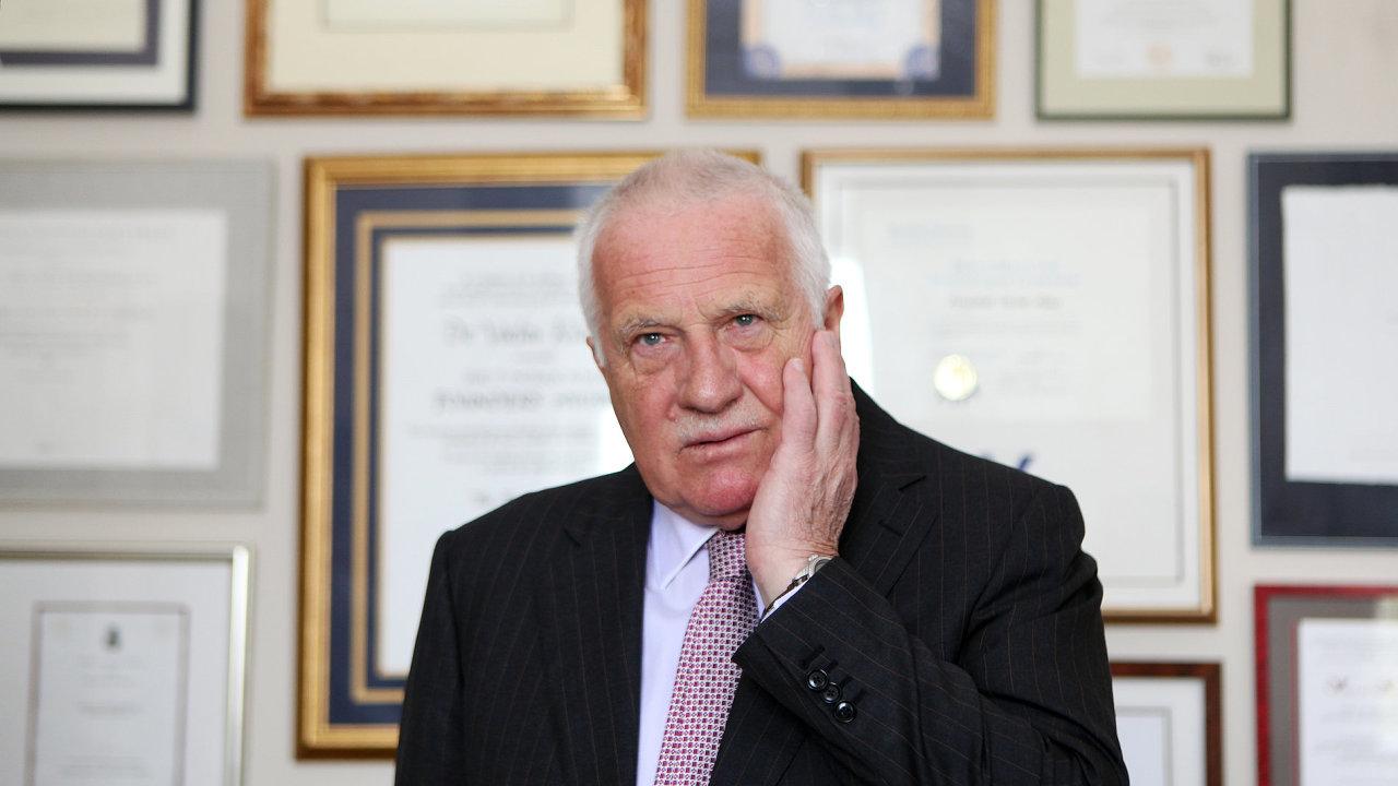 Václav Klaus tvrdí, že neví o tom, že by za jeho ministrování odešlo do SSSR 1,3 miliardy dolarů.