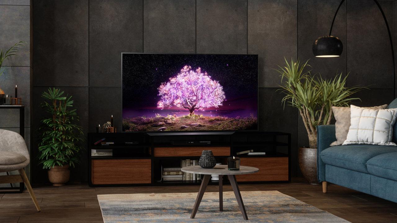 LG s televizí OLED C1 míří na filmové fanoušky i milovníky videoher díky dokonalému kontrastu a vysoké obnovovací frekvenci.