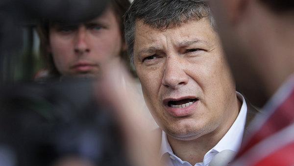 Česká unie sportu stáhla miliardovou žalobu na exšéfa Sazky Aleše Hušáka. Všichni svědci ztratili paměť, stěžuje si Jansta