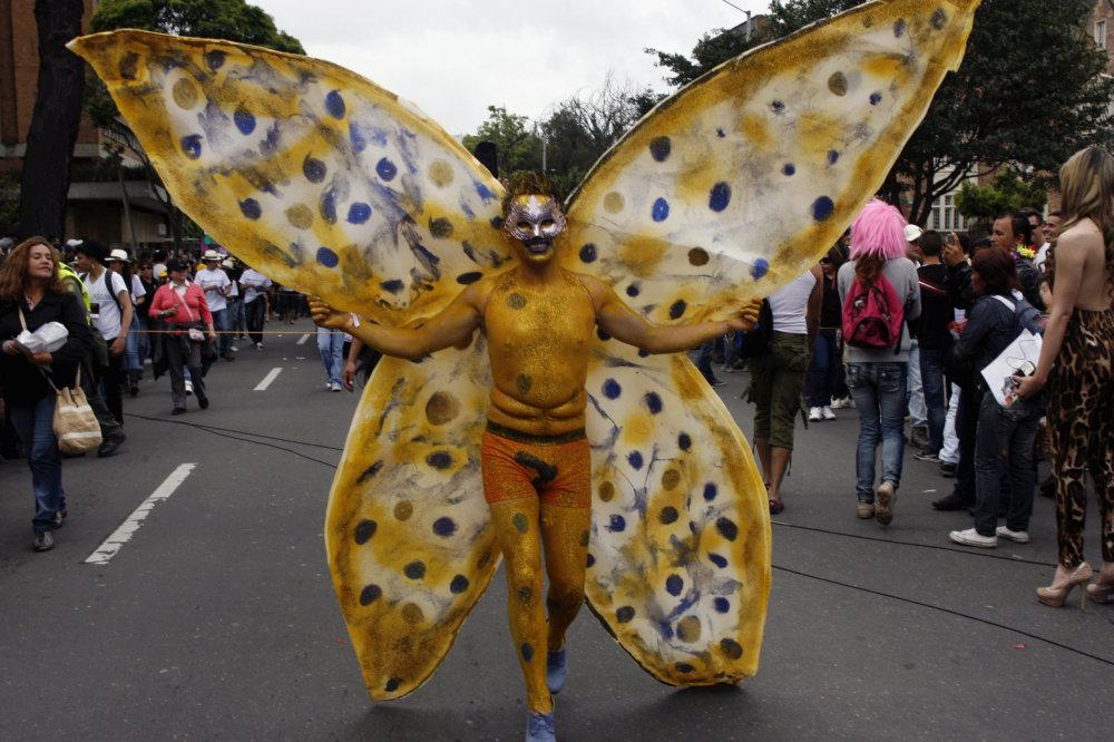 Žlutý motýl 37128d889e
