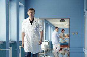 Náš obor připomíná truhlařinu či tesařinu, říká ortoped Jan Bartoníček