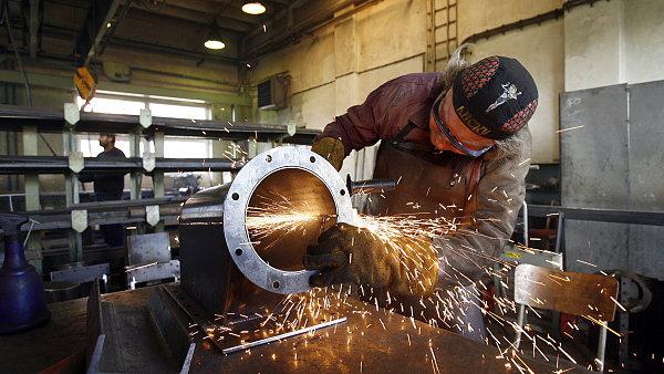 Průmyslová výroba, strojírenství. Ilustrační foto
