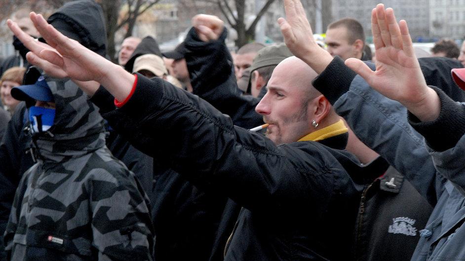 Ilustrační foto - neonacisté