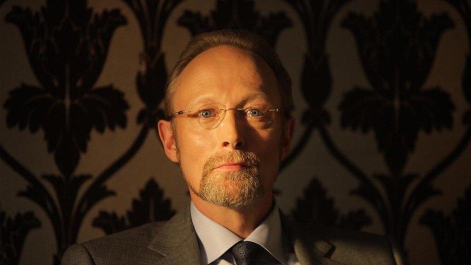Lars Mikkelsen bude zatápět Sherlockovi ve třetí sérii populárního seriálu