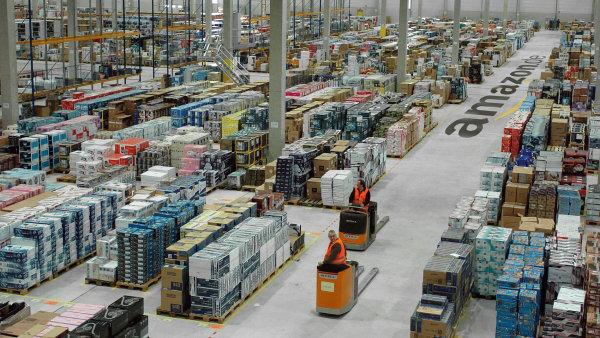Distribuční sklad Amazonu v Německu