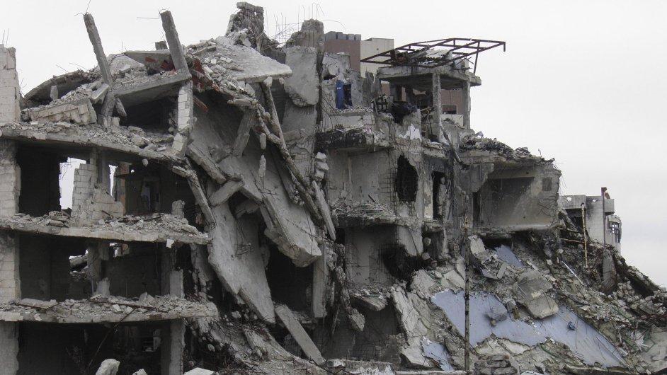 Obléhaný Homs je denně bombardován.