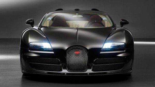 Pr�m�rn� majitel Bugatti vlastn� je�t� 84 aut, 3 letadla a jachtu