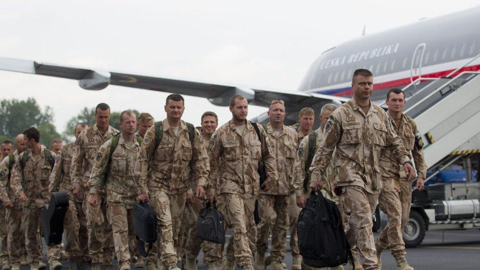 Čeští vojáci při návratu z Afghánistánu