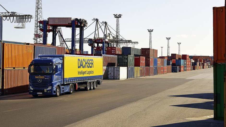 Sběrné námořní kontejnery na trase Šanghaj–Kladno odplouvají každý týden