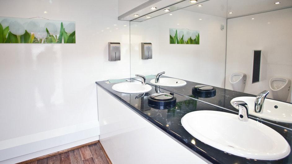 Cesty zaměstnanců do kuchyňky, na toalety a ke kopírce by se měly více křížit - Ilustrační foto.