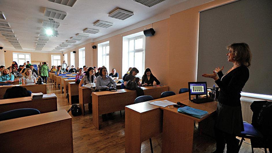 Den otevřených dveří pro uchazeče o humanitně zaměřené studijní obory se konal 5. března na Univerzitě J. A. Komenského v Praze.