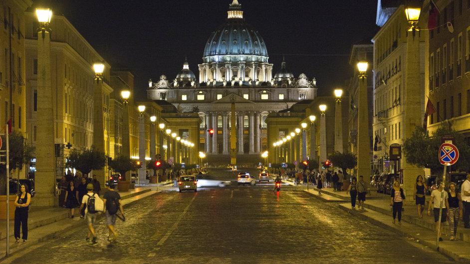 Kvůli smogu zakázala radnice autům vjezd do centra Říma