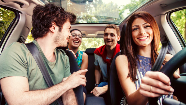 BlaBlaCar je největší komunita pro spolujízdu na světě. Spojuje řidiče s volnými místy v autě a cestující na stejné trase. Díky spolujízdě pak šetří čas i peníze.