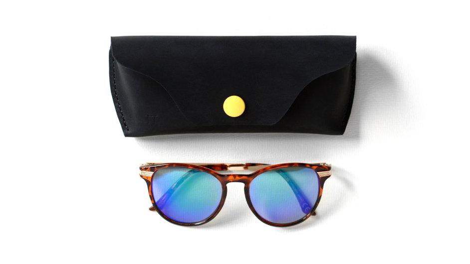 Kožené pouzdro na brýle je jednoduché, stylové a kvalitní zároveň.