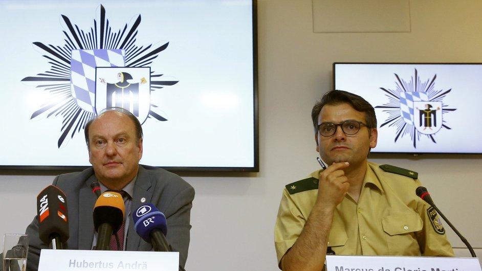 Policejní mluvčí Marcus da Gloria Martins (vpravo)