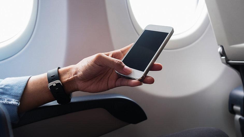 T-Mobile pokryl Česko vysílači pro mobilní připojení v letadlech.