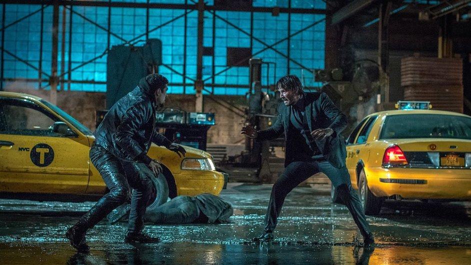 Hlavní roli ve filmu John Wick 2 opět ztvárnil Keanu Reeves (na snímku vpravo).