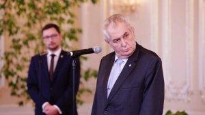 Otevreny_stret_Zemana_a_Sobotky._Nenesu_vam_demisi_rekl_premier._Prezident_odesel_predcasne.jpg