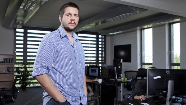 Slovák Marek Rosa postupně hodlá do programování umělé inteligence proinvestovat 250 milionů korun, které vydělal naprodejích své počítačové hry Space Engineers.