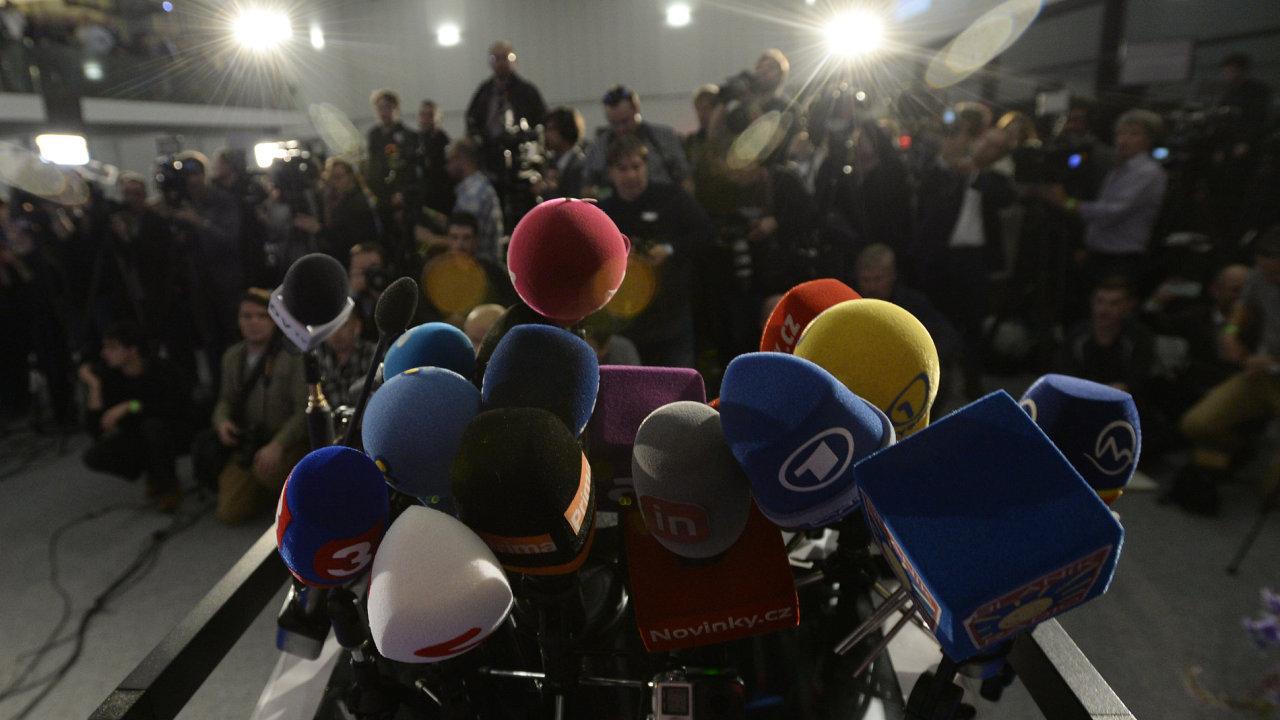 Nejpočetnější zastoupení akreditovaných novinářů měl volební štáb ANO, přítomno jich bylo zhruba 170.
