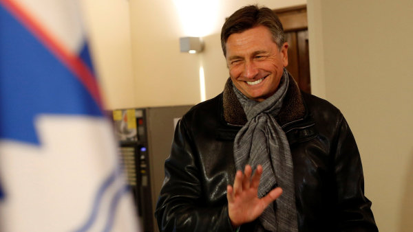 Pahorovi jeho český protějšek Miloš Zeman 28. října udělil Řád bílého lva za zvlášť vynikající zásluhy ve prospěch České republiky,