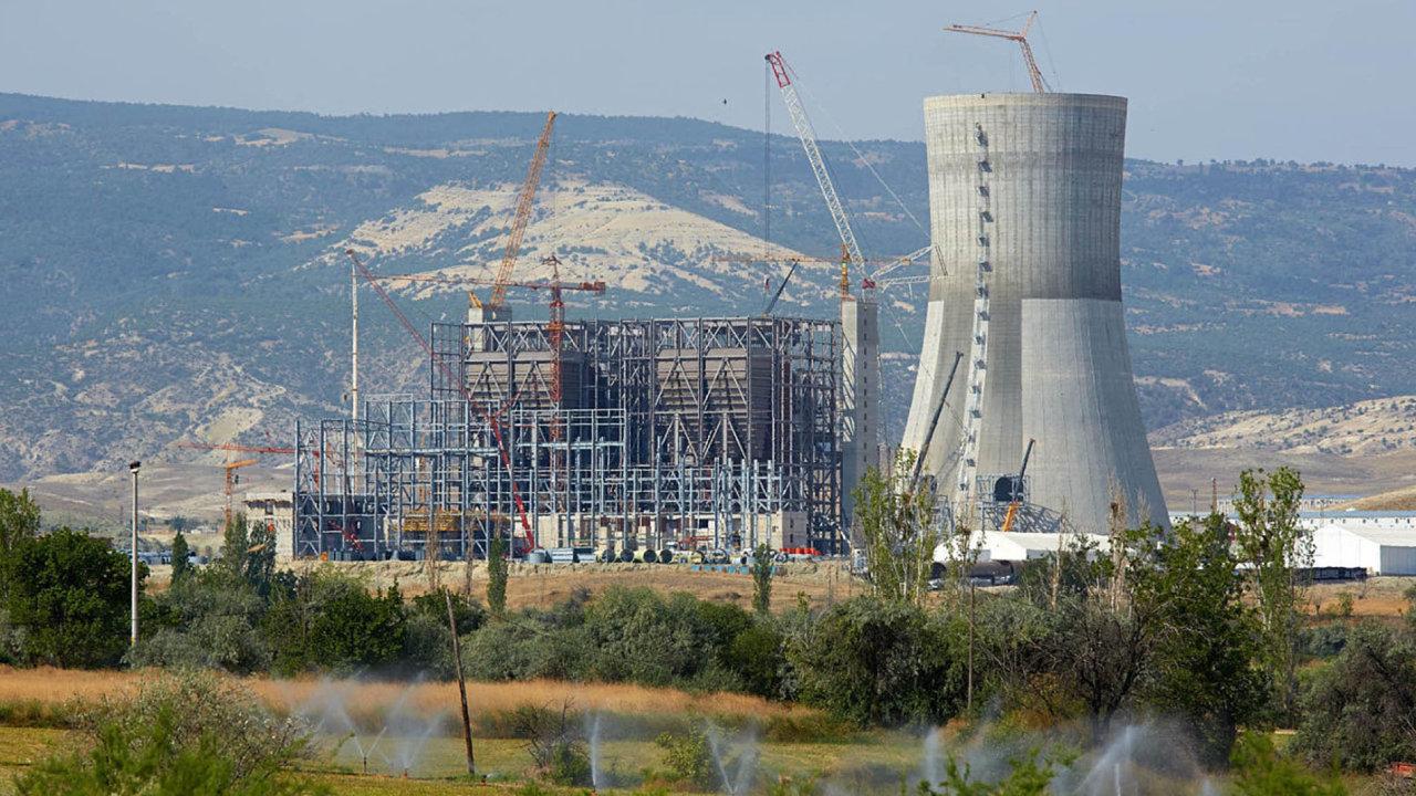 Konstrukce turecké elektrárny Adularya.