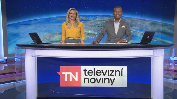 Lucie Borhyová a Rey Koranteng v Televizních novinách TV Nova