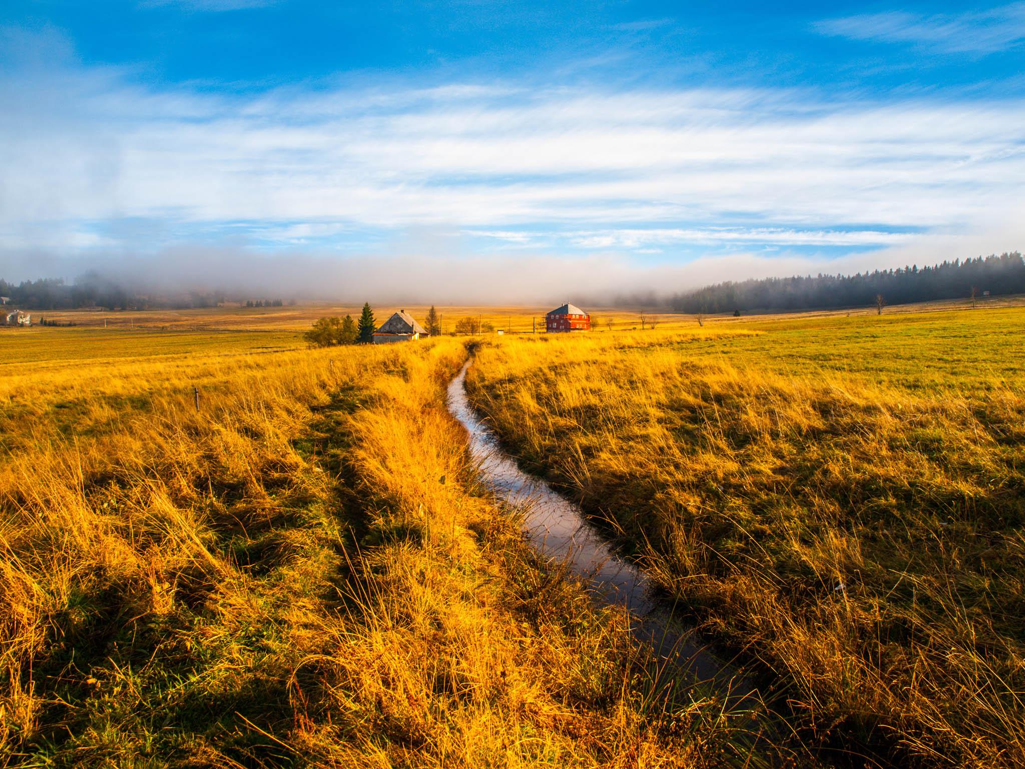 Krušnohorská magistrála je poměrně náročná trasa s řadou dlouhých i příkrých stoupání.