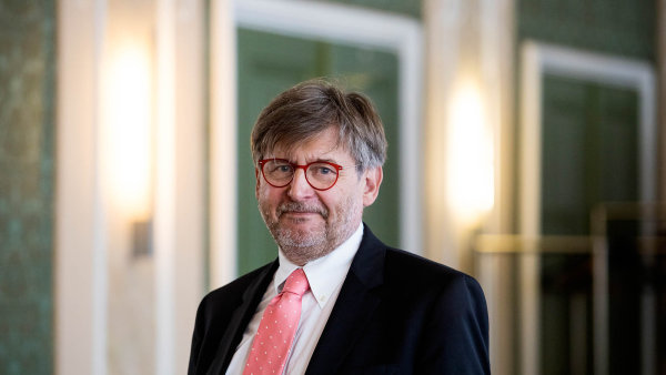 Ústavní soudce David Uhlíř.