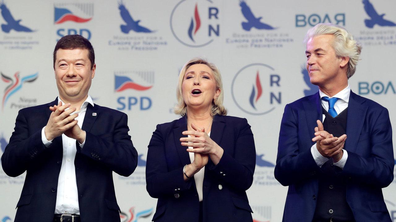 Vůdci některých evropských nacionalistických stran: zleva Tomio Okamura, Marine Le Penová a Geert Wilders.
