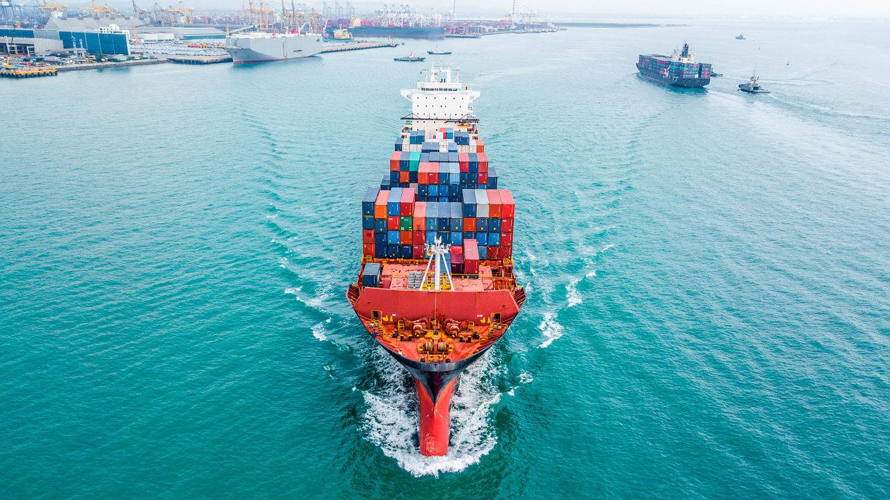 Velké kontejnerové lodě jsou pro světový obchod klíčové. Tomuto druhu přepravy zboží dnes dominuje Čína.