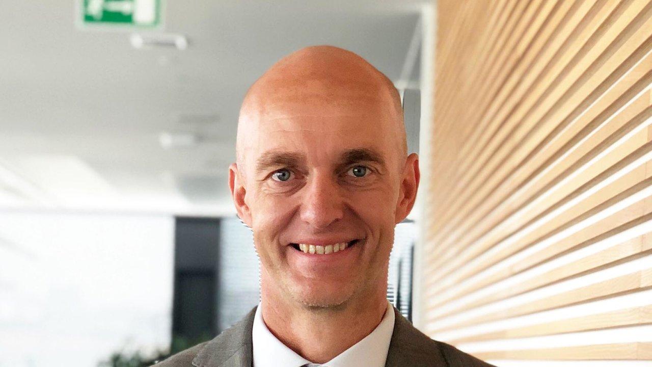 Cushman & Wakefield posiluje Jan Kratochvíl (48) na pozici associate, ve které bude mít na starosti zastupování nájemců. V minulosti působil ve firmách CBRE či Cimex Invest.