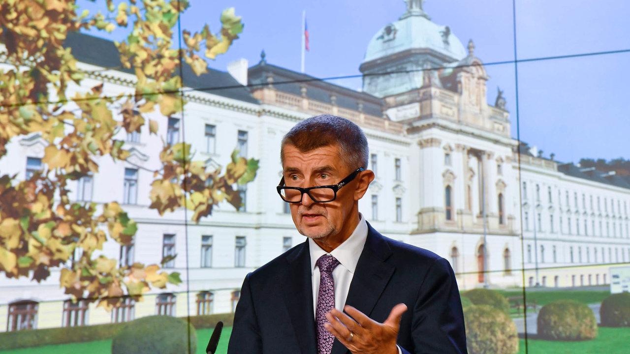 Přilepšení k platům. Premiér Andrej Babiš slíbil, že do zdravotnictví skrz úhradovou vyhlášku půjde dalších 4,9 miliard korun.