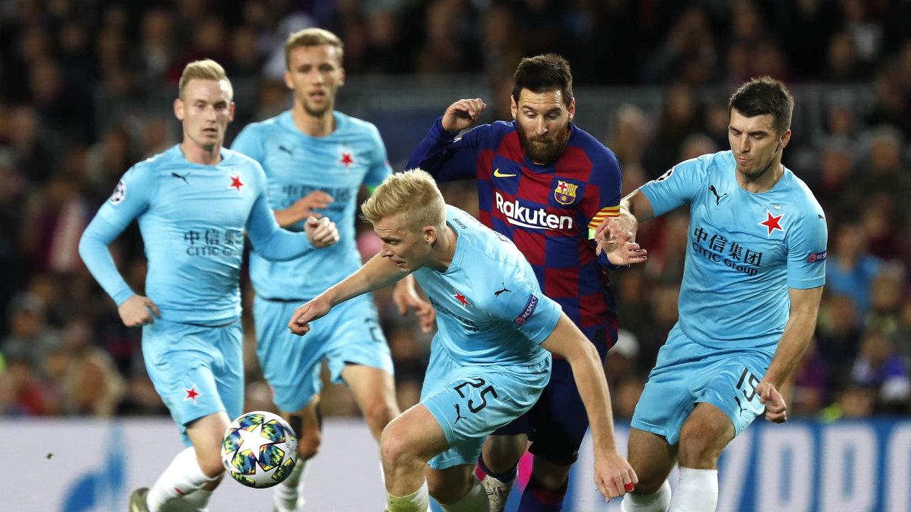Domácí kapitán Lionel Messi vprvním poločase trefil břevno. Počtyřech zešesti kol základní skupiny mají slávisté dva body zadvě remízy advě porážky.