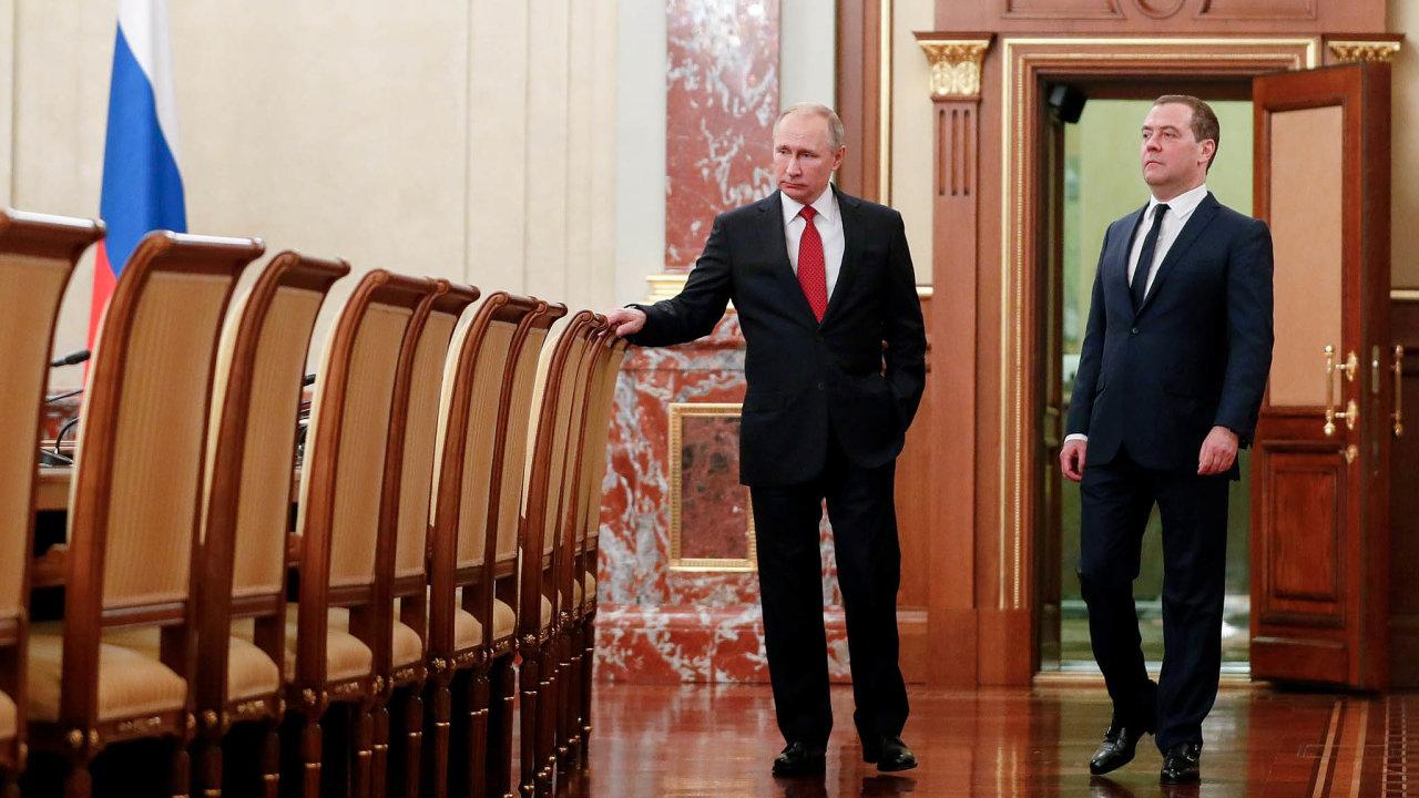 Ruský premiér Dmitrij Medveděv oznámil demisi své vlády, kterou podal v souvislosti s návrhem ústavních změn od prezidenta Vladimira Putina.